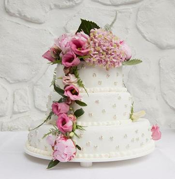 Bruidstaart met bloemen Veenendaal
